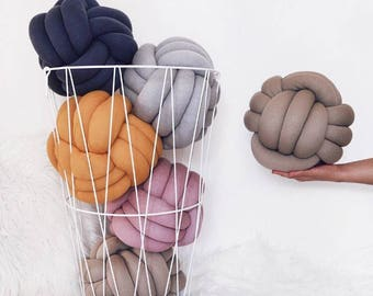 Sale Knot pillow , knot cushion ,decorative pillow , modern pillow , minimalist pillow, trendy pillow, handmade pillow, blackfriday
