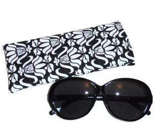 Sunglass Case, Fabric Eyeglass Case, Sunglass Holder, Eyeglasses Holder, Sunglasses Holder, Eyeglasses Case, Black and White, Gift For Women