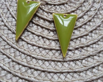 The 2 charms sequins glazed olive green triangle with raw brass base