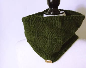 MADE TO ORDER - Polka Dot Cowl - Knit Accessory - Knit Scarf - Knit Cowl