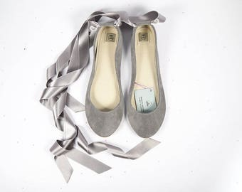 Wedding Ballet Flats with Satin Ribbon. Bride Shoes. Bridal Low Heel Shoes. Pointe style Shoes. Italian Leather Ballerinas. Bridesmaids Gift