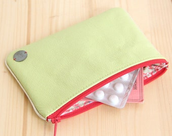 Women Pouch in Recycled Lime green Leather Red Zipper / Vintage Strawberry Jewels Make up Case / Birthday Woman Mother Mom Gift / POCC30