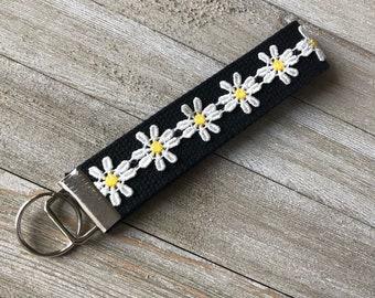 Black Daisy Keychain