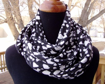 Infinity Scarf - Loop Scarf - Fashion - Black and White - Animal Print Eternity Scarf