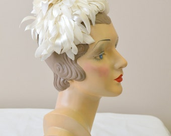 1960s Funky White Petals Hat