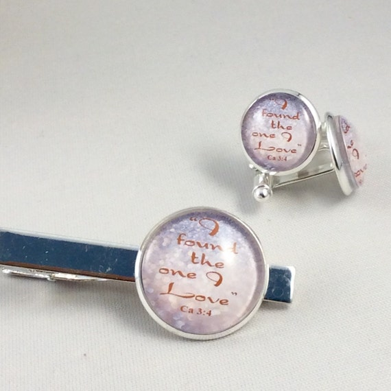 """JW """"I found the one I love"""" from Song of Solomon. Cufflinks /Tie bar Set 14mm /20mm Silver-tone and Glass.Blue Velvet gift bag(SKU16/19)"""