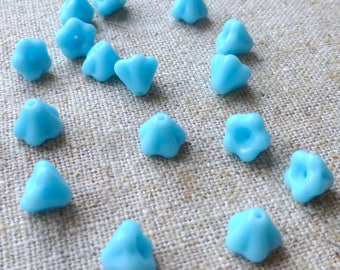 free UK postage - Pack of 50 Mini Blue Flower Glass Beads Floral Beads
