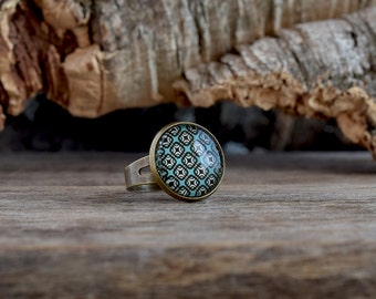 Geometric blue ring, Retro teal pattern ring, Squared pattern glass dome ring, Retro geometric jewelry, Teal blue jewelry, Brass ring GJ 079
