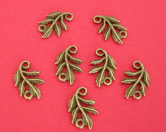 10 pcs of Antiqued Brass Branch Leaf Connector Double Sided 11x15mm.