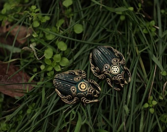Steampunk Necklace Beetle bronze. Made to order.