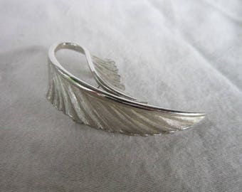 Vintage Nice Silver Tone Large Stylized Leaf Branch Brooch