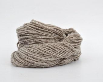 Pale Gray Weaving Yarn, Navajo Weaving Yarn, Wool Yarn, 4oz skein