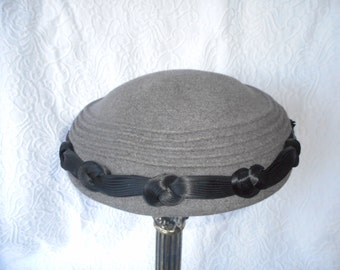 Vintage 1950's Leslie James Gray Wool Felt Hat-Scruggs Vandervoort Barney St. Louis