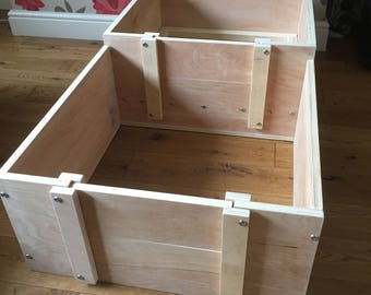 whelping box 24 inch x 24 inch with 12 inch walls and a annex