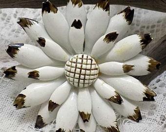 Delightful Vintage White Enamel Floral Pin