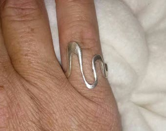 Curvy Swirl Sterling Silver 20mm Ring Band Size 6 - Vintage