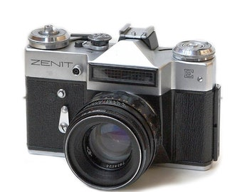 Zenit-E Russian Vintage camera + Helios 44-2 58mm F2 Lens IN BOX