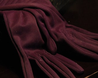 Vintage Brignt Purple 1950's gloves, beautiful details