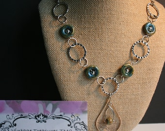 Modern silver circles necklace