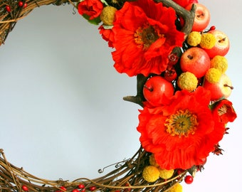 Elegant rustic Grapevine Wreath. Artificial Poppies, Berries and Apples.