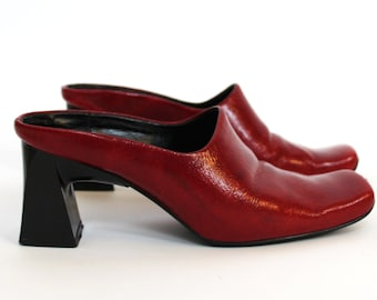 Vintage red patent leather clog mule heels | size 7