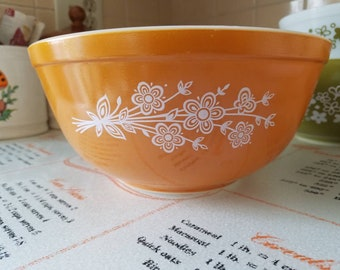 Vintage Pyrex Butterfly Gold mixing bowl number 403