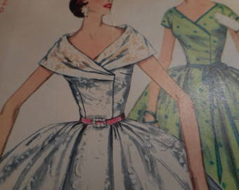 Vintage 1950's Simplicity 1115 Dress Sewing Pattern Size 12 Bust 30