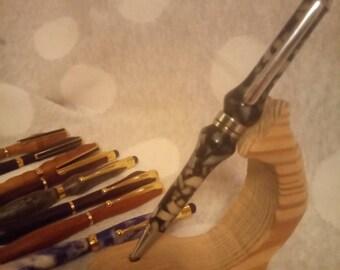 Acrylic pen//hand turned pen