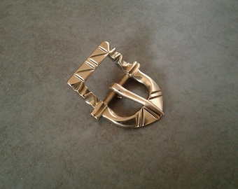 Tudor Style Asymmetrical Buckle for 5/8in or 16mm Strap.