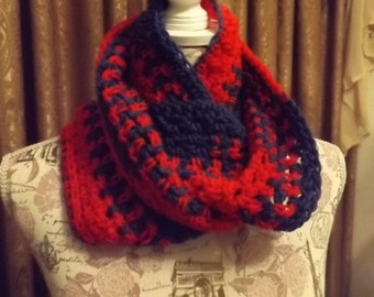 Infinity Scarf, Twisted Scarf, Mobius Scarf in Red and Blue