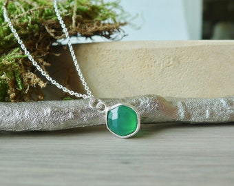 Green Onyx Necklace, Sterling Silver, Faux Emerald, May Birthstone, Green Onyx, May Jewelry, Minimalist Green, Green Birthstone, Hexagon