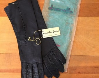 30% Off Sale 60s Dawnelle Black Leather Opera Gloves, NWT, Size 6-1/2, XS to Small
