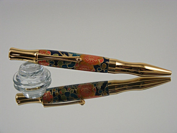 Handcrafted Ergonomic Ink Pen in Gold and Chiyogami-Yuzen Acrylic