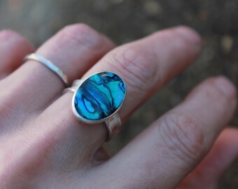 Pau Shell sterling silver ring. Handcrafted. Unique stone. Blue and Green.