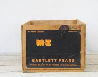 Vintage M-Z Wood Fruit Crate Mendelson-Zeller Bartlett Pear California