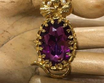 Purrrrty Purple Kitty   Brooch  Vintage Pin