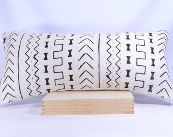 12x26 Lumbar Double-Sided African Mud cloth Pillow Cover; Bogolanfini Decorative Pillow, Black & White Mudcloth Throw Pillow (Mali) -BF1004b