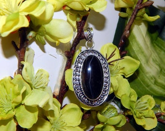 Bold Bengal Tiger Shifter inspired vessel - Handcrafted Botswana Agate pendant with chain