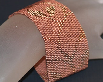 Copper Vine ... Peyote Bracelet . Beadwoven Cuff . Leaves . Leafy . Metallic . Subtle . Monochromatic . Beautiful . Handmade