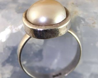 925 Silver ring and Freshwater Pearl