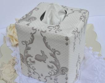 Bunny medallion reversible tissue box cover