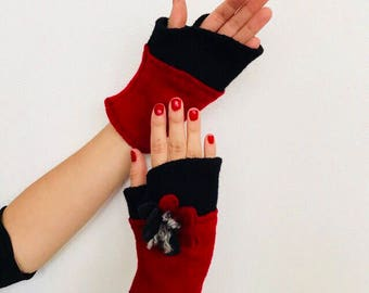 Black Red mittens. Boiled wool mittens. Winter mittens.