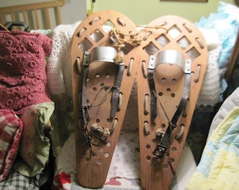 Wooden Snow Shoes Primitive Handmade, Winter Decor, Vintage Home Decor, Primitive Decor, Cabin Decor, Ski Decor, child size  Snow Shoes :)s*