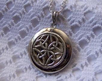 Celtic Braid Silver Locket, Irish Scottish Celtic jewelry, Renaissance Celtic Wedding Knot, Ireland, Scotland, St Patrick's Day, Celtic Knot