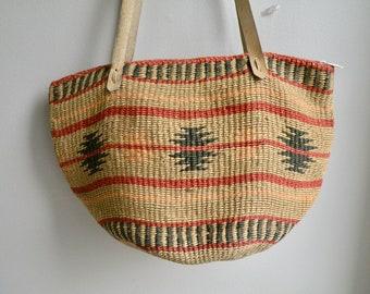 90s Tribal Aztec Sisal or Jute Market Bag Tan and Red Hobo Bag Basket Purse