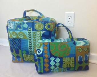 2 Piece Retro Tapestry Luggage Set - Garment and Toiletry Bag - Blue Green Turquoise Absract Design