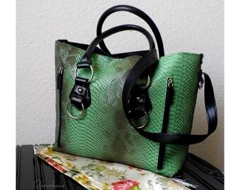 Vegan Leather Tote Bag, Green Tote Bag, Large Tote Purse, Faux Leather Handbag, Vegan Handbag, Cruelty Free Handbag, Everyday Bag, Gift Idea