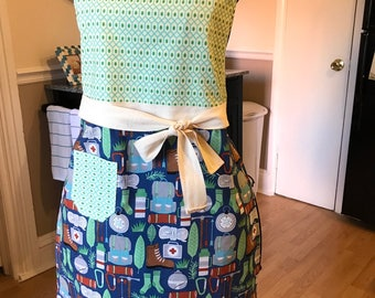 Kitschy Kitchen Apron - CAMPING