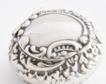 Edwardian Antique Silver Pill Box 1905