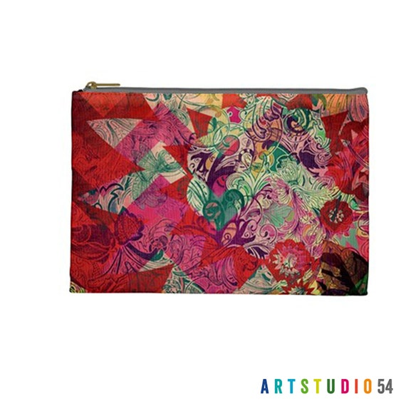 """Flower Quilt Sun Pattern on a Pouch, Make Up, Cosmetic Case Travel Bag - Pink, Red, Green - 9"""" X 6"""" -  Large -  Made by artstudio54"""